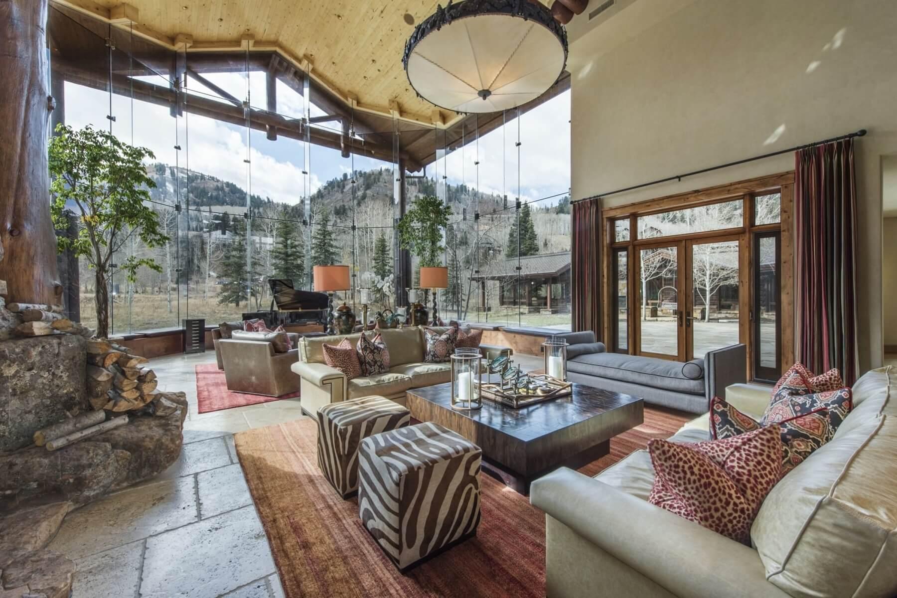 peak 5 colony mountain lodge living room